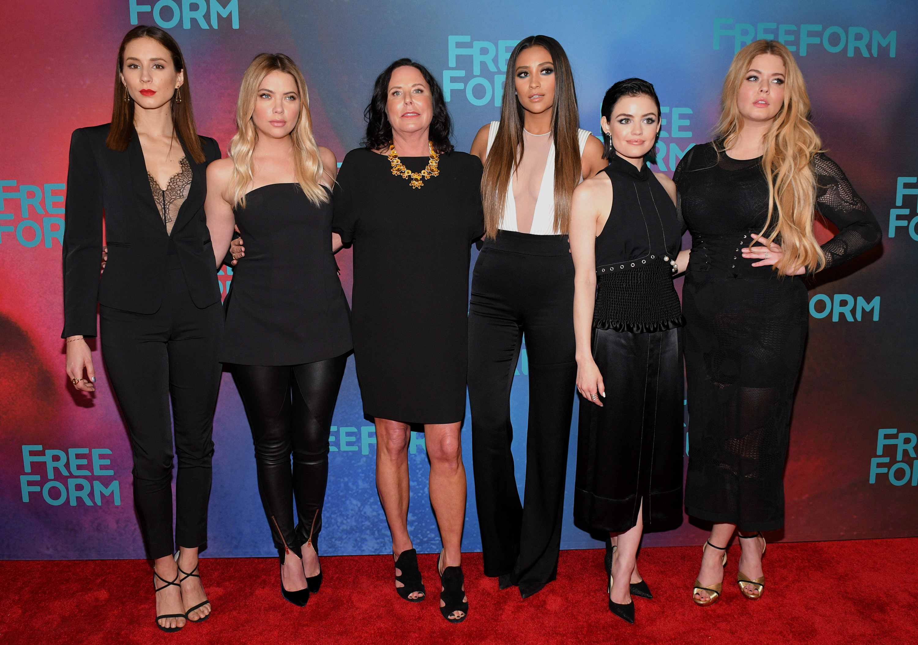 TROIAN BELLASARIO, ASHLEY BENSON, I. MARLENE KING, SHAY MITCHELL, LUCY HALE, SASHA PIETERSE